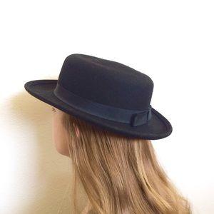 🌻Vintage Black Wool Felt Flat Rimmed Bolero Hat🌻